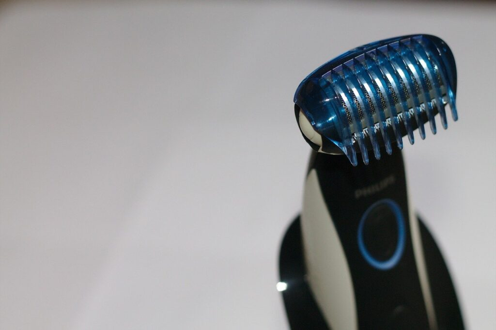 How to Clean A Shaver Head Of A Model